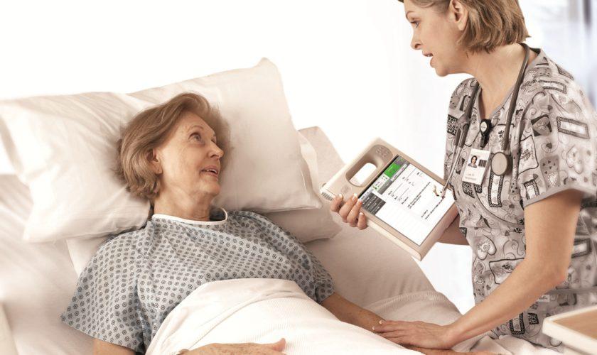 De ce pacienții din spitale ar putea primi brățări de urmărire