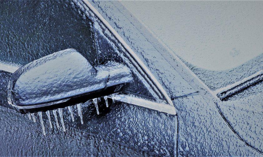 Vremea extremă cu ploaie înghețată, explicată: fenomenul freezing rain a paralizat România