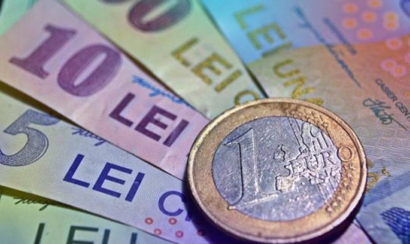 """Curs valutar BNR: Euro """"mușcă"""" din moneda națională și trece iar peste un prag critic"""