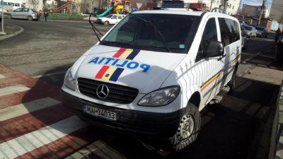 Un șofer minor din Suceava a intrat într-o mașină de poliție: ce s-a întâmplat după