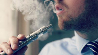 Țara care vrea să interzică definitiv țigările electonice și bagă o lege severă