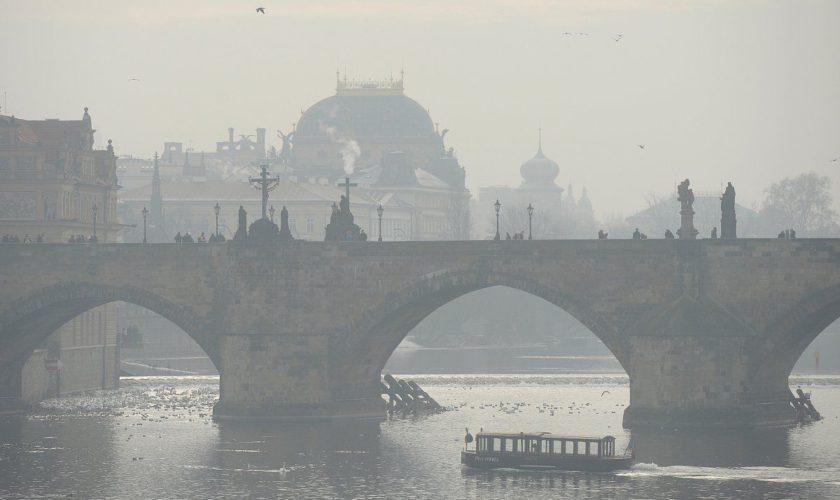 Alertă de smog: capitala europeană în care transportul public devine gratuit