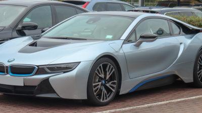 """Tăriceanu vrea mașini electrice pentru oficiali: ce """"spune"""" proiectul de lege depus de ALDE"""