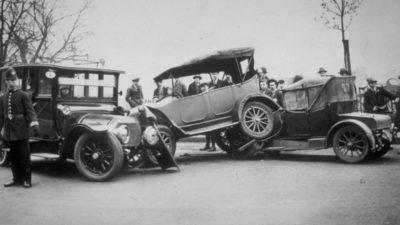 Primul accident din istorie: când și unde s-au lovit prima dată două mașini