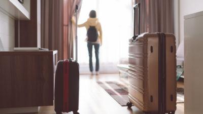 Filmați pe ascuns în camera de hotel: peste 1.600 de turiști afectați