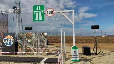 """""""Autostrada"""" din Suceava, deja vandalizată. Reacția antreprenorului care a plătit să fie făcută. VIDEO"""