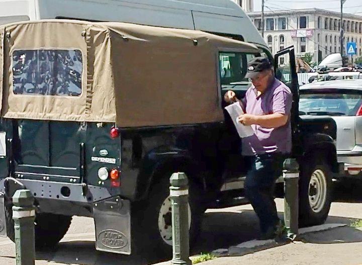 Florin Calinescu SUV militar