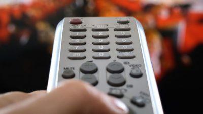 Campania pentru europarlamentare, sursă de câștig pentru televiziuni: cât plătesc politicienii să apară la TV