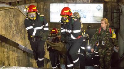 """Metroul de la Romană, zonă de """"război"""": de ce au fost mobilizați sute de medici. FOTO"""