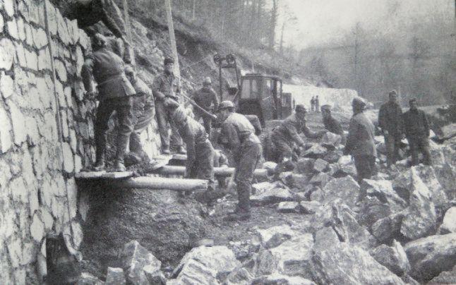 Imagine din timpul lucrărilor la Transfăgărășan