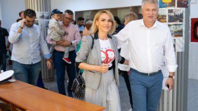 Gabriela Firea la vot cu Pandele