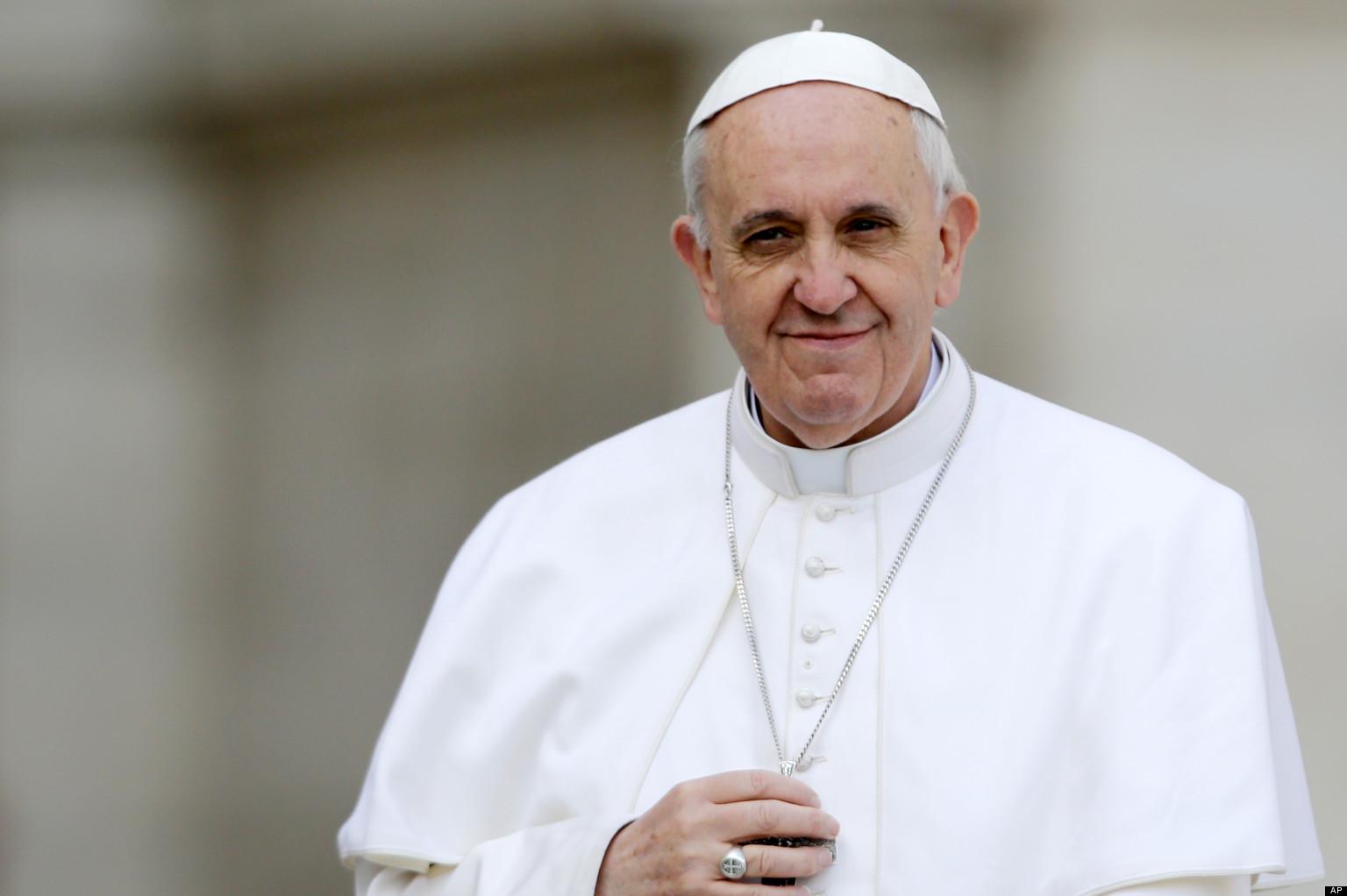 Papa francisc dacia papamobil