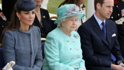 """Regina Angliei, ironică la adresa propriului nepot: """"Bine că nu a moștenit urechile tatălui său!"""""""