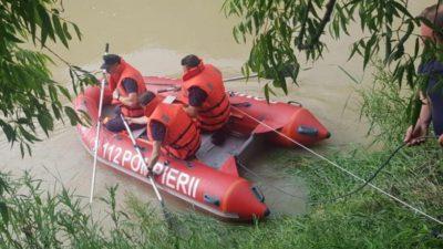 Patru copii au fost luați de o viitură în județul Prahova. Autoritățile sunt în alertă