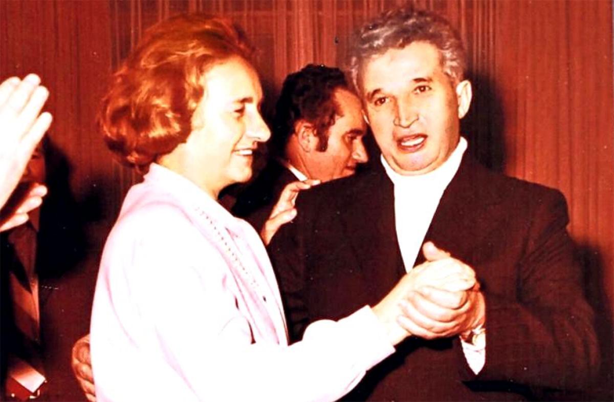 O viață de desfrâu. Elena Ceaușescu s-a iubit până și cu fratele dictatorului. Cine a fost, însă, primul bărbat din viața ei