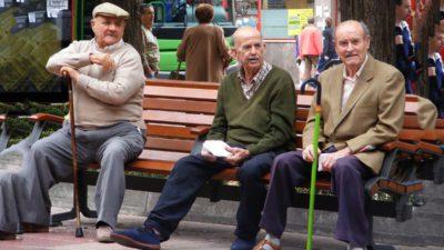 Cu cât s-au majorat pensiile în luna mai. Ce pensionari au primit cele mai mari creșteri