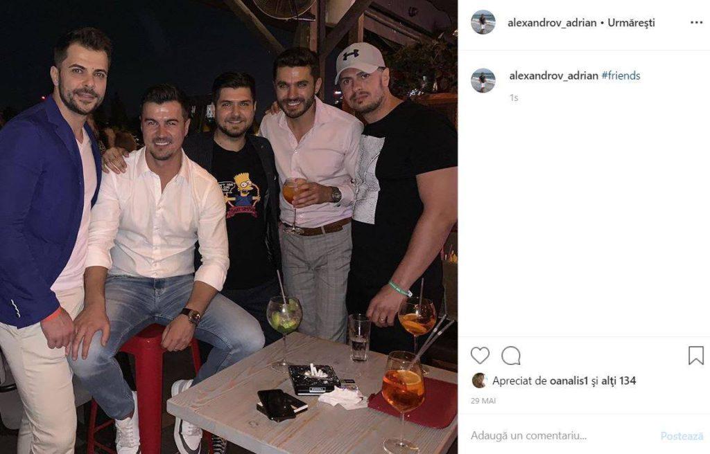 Adrial Alexandrov alături de prietenii săi