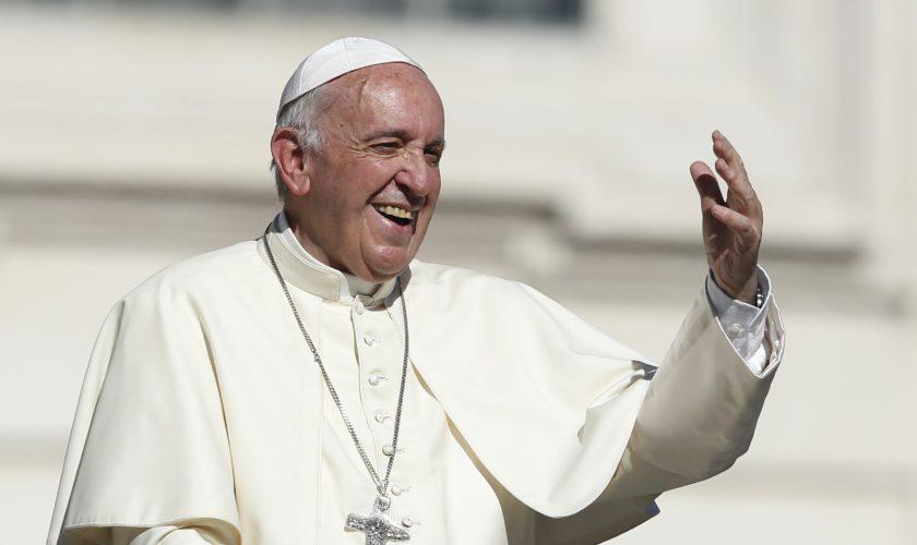 Papa Francisc ar urma să facă cea mai mare reformă a Bisericii din ultimul mileniu, care ar putea schimba totul