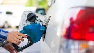 Cât a ajuns să coste litrul de benzină și motorină, în plină criză PSD. Lista prețurilor la carburanți