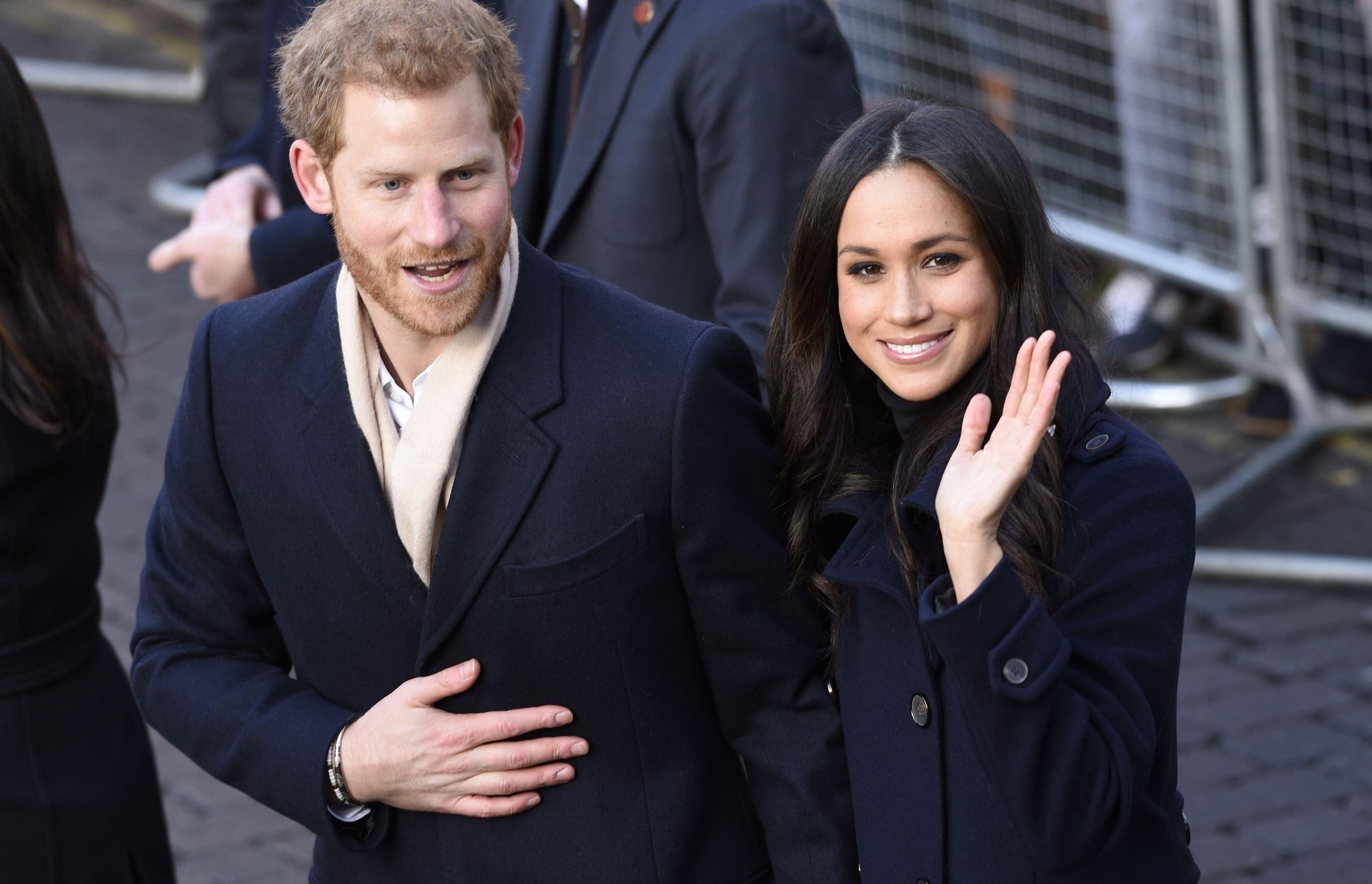 Prințul Harry, amenințat cu moartea de doi tineri