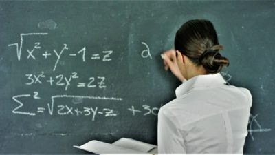 Mesaje, SMS-uri și felicitări pentru profesori și învățători. Cum să le mulțumești pentru tot ce fac pentru copilul tău