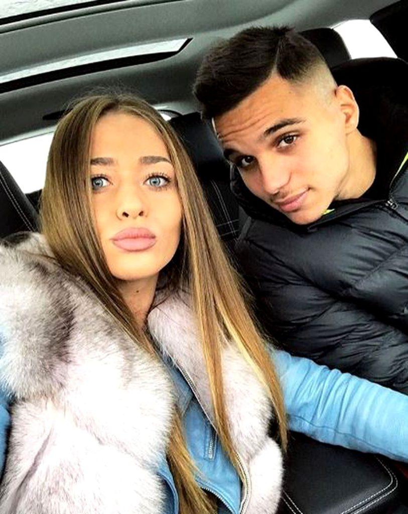 Soția lui Cristi Manea, bătută de niște suporteri români