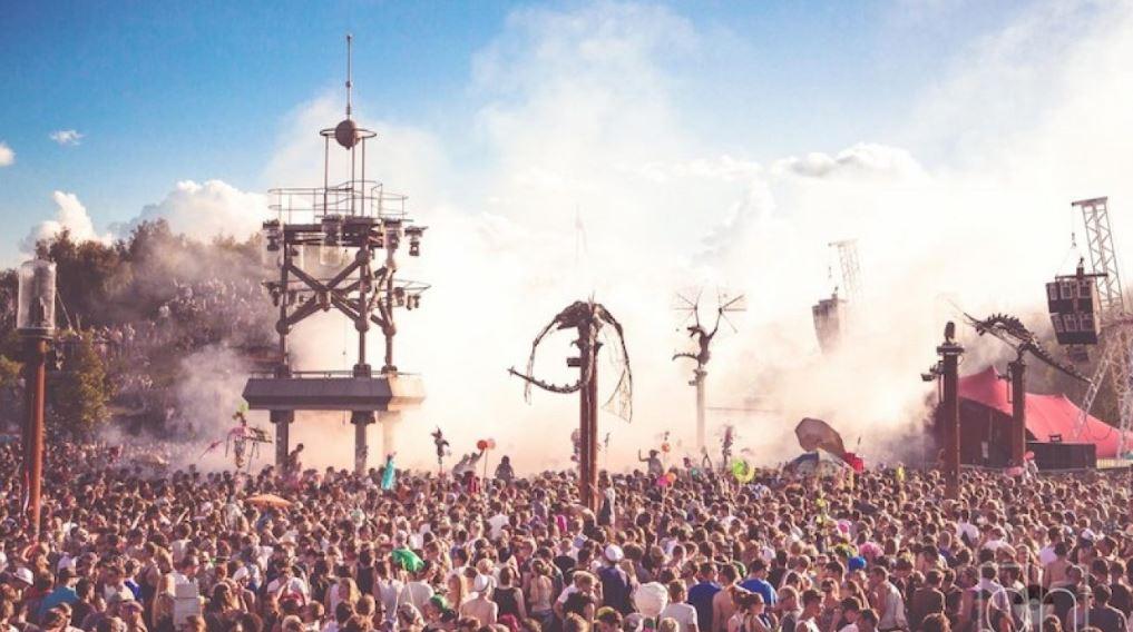 Bărbat mort la un festival e muzică electronică. Totul s-a petrecut în Germania, iar cauza decesului este încă necunoscută de către autorități