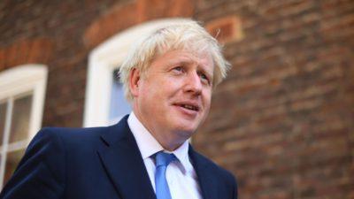 Boris Johnson a făcut deja prima gafă din mandatul de premier al Marii Britanii. Ce i-a spus regina Angliei