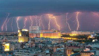 Prognoza meteo, până pe 5 august. ANM a revizuit previziunile despre vreme. Schimbări radicale