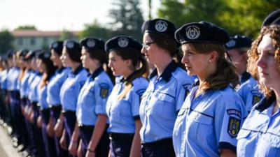 FOTO Cum arată șefa de promoție a Academiei de Poliție. Imaginea a făcut furori pe Facebook
