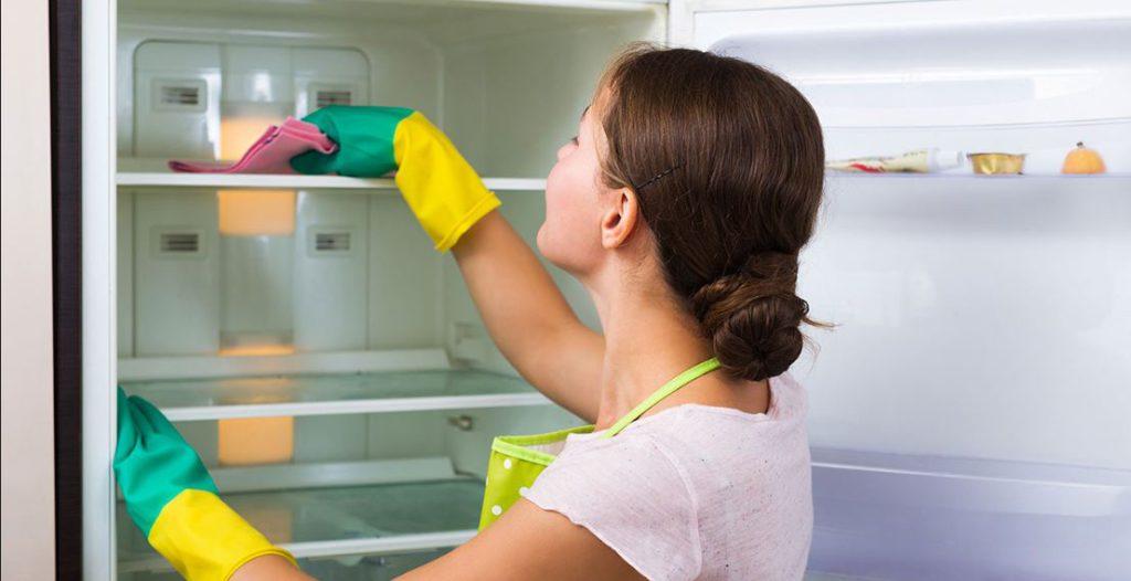 Cum să-ți cureți frigiderul cu bicarbonat