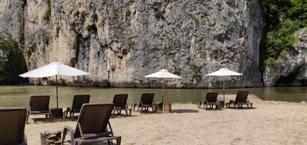 Plaja sălbatică din România care concurează cu cele mai frumoase locuri exotice din lume. Pozele sunt reale