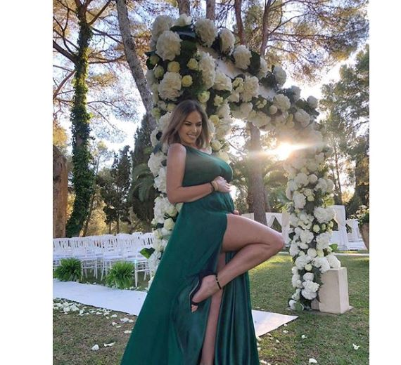 Roxana Ionescu arată superb în ultimul trimestru de sarcină