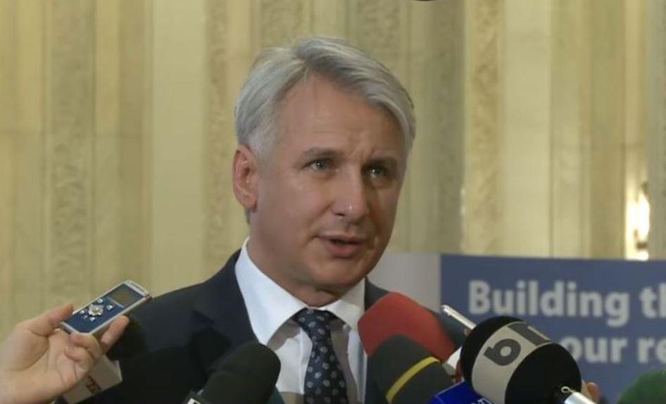 Ministrul Finanțelor, Eugen Teodorovici, anunță reglementrea pensiilor speciale
