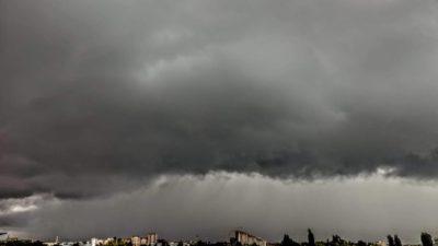 Alertă meteo! Un ciclon ar putea lovi România. Ce zone pot fi afectate