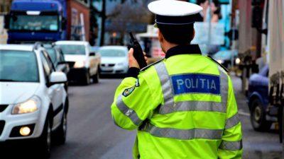 Polițiștii au oprit în trafic un șofer din București. Ce au descoperit oamenii legii în mașina lui