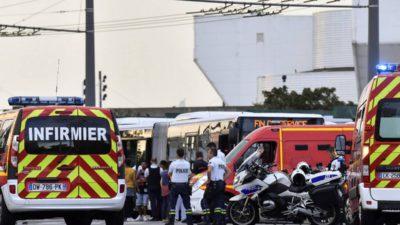 Mobilizare generală în Lyon, Franța: doi bărbați au atacat persoane pe stradă. Ce s-a întâmplat cu victimele