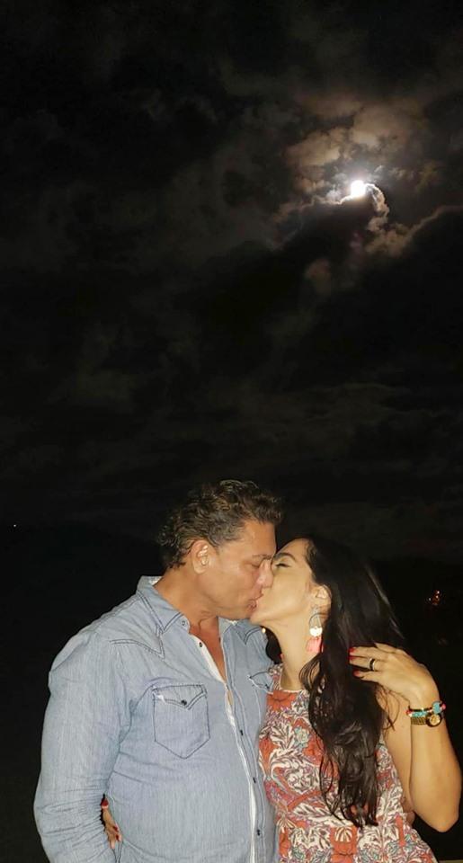 Osvaldo Rios și iubita lui. Cei doi par extrem de fericiți împreună