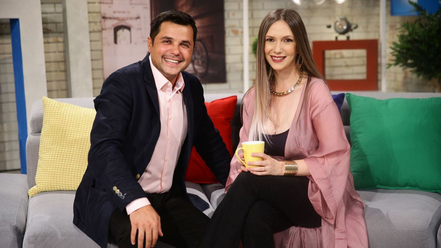 Whether or not Laura leaves with the return of Adela Popescu. What happens on PRO TV