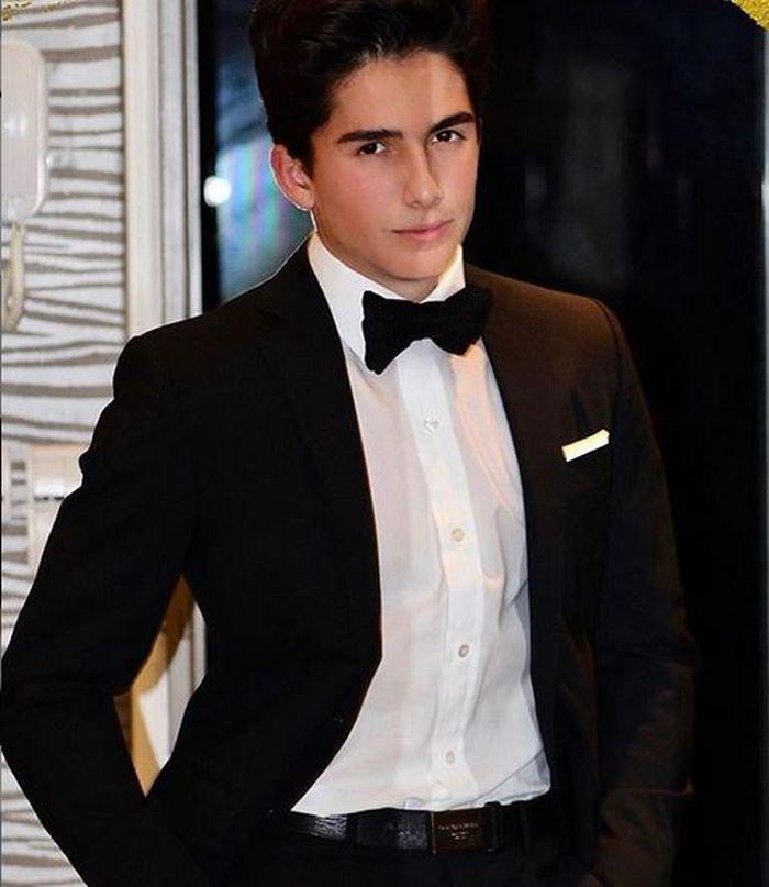 Ayan, fiul Mihaelei Rădulescu