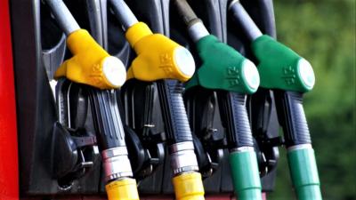Aici găsești cea mai ieftină benzină din România. Top 5 județe unde plătești cel mai puțin pe carburant