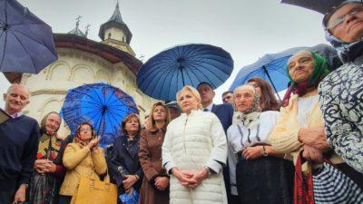 Lecția de religie a Vioricăi Dăncilă îți arată că a început campania electorală: ce ne învață ea