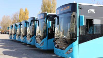 Ce salarii au angajații de la STB. Câți șoferi de autobuz și vatmani sunt în Capitală