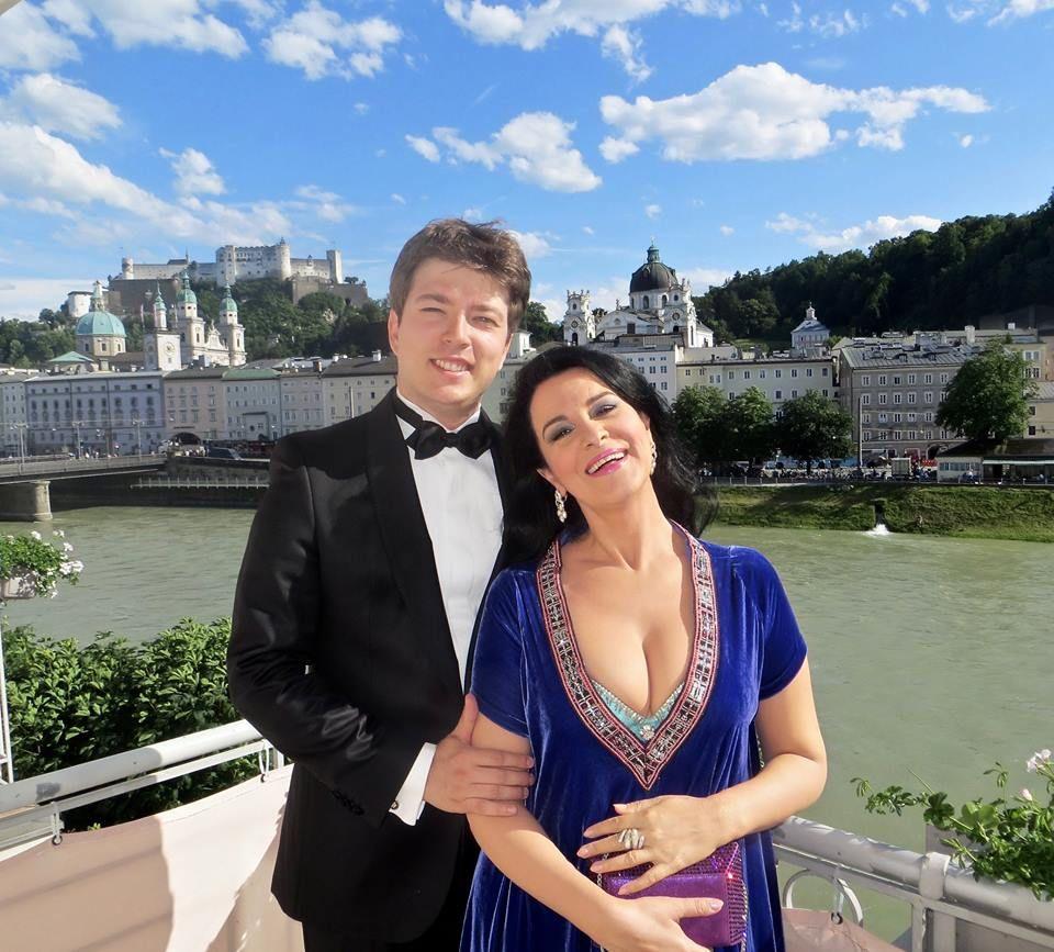 Angela Gheorghiu se iubește cu un bărbat cu 22 de ani mai tânăr. Cine este Mihai Ciortea, de fapt