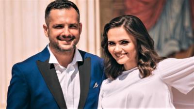 """Cum au apărut Mădălin Ionescu și Cristina Șișcanu la botezul fetiței Gabrielei Cristea. """"Unde sunteți?"""""""
