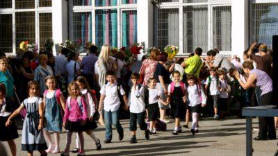 Părinții au liber în prima zi de școală? Ce spune legea. Conflict între părinți și angajatori