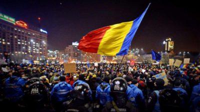 Rugăciune pentru România, în Piața Victoriei din Capitală. Participă reprezentanții a zeci de biserici și culte
