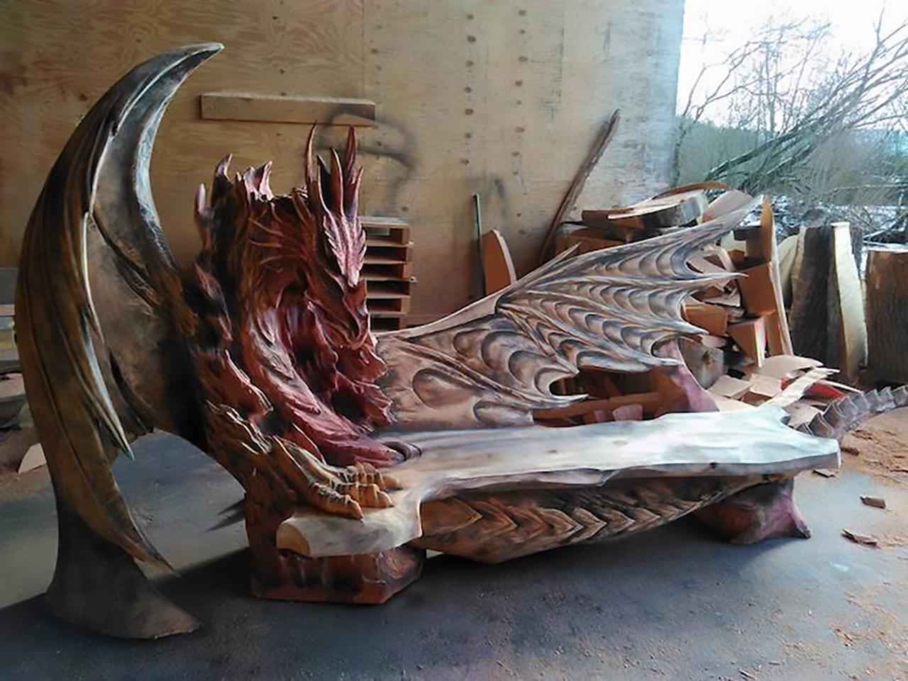 igor-loskutow-chainsaw-art-dragon-bench2-4
