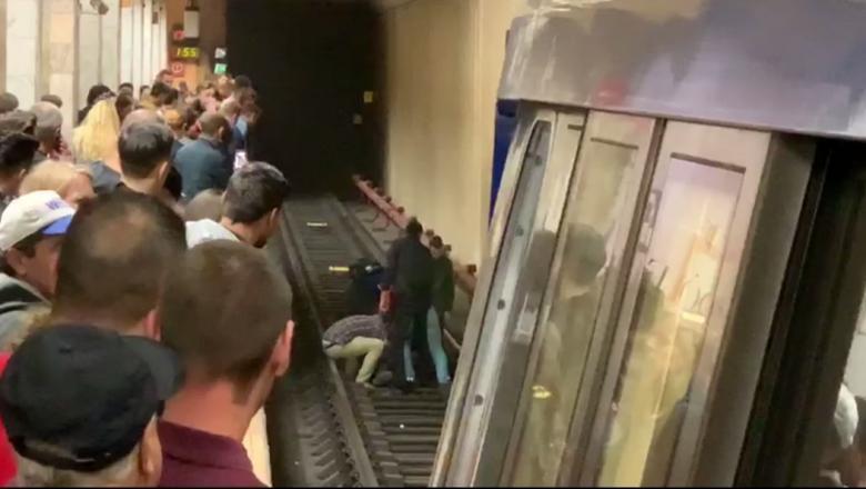 Situație gravă la metrou! O persoană a căzut pe șine la stația Aurel Vlaicu. Anunțul Metrorex