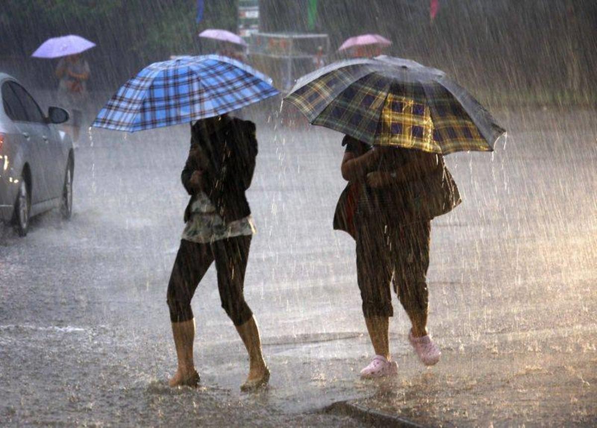 Prognoza meteo. Vreme rea lovește România: temperaturi scăzute și ploi devastatoare
